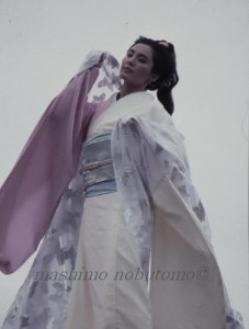 眞下伸友の作品 松坂慶子 スチール撮影